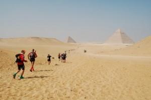 Målet ved Racing the Planet Sahara Race 2011 er ligesom de foregående år ved Pyramiderne i Kairo